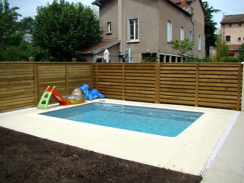 Construction d 39 une mini piscine au puy en velay haute for Amenagement terrasse avec piscine