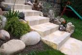 Escalier en pierre...