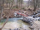 Passerelle sur une rivière